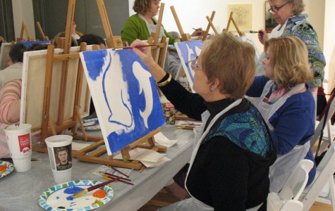 Tempe art class offers time to relax creatively