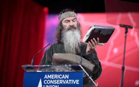 Phil Robertson declares war on atheism