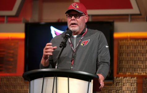 Bruce Arians speaking at the 2016 Leadership Series with the Arizona Cardinals hosted by the Arizona Chamber of Commerce & Industry at University of Phoenix Stadium in Glendale, Ariz.