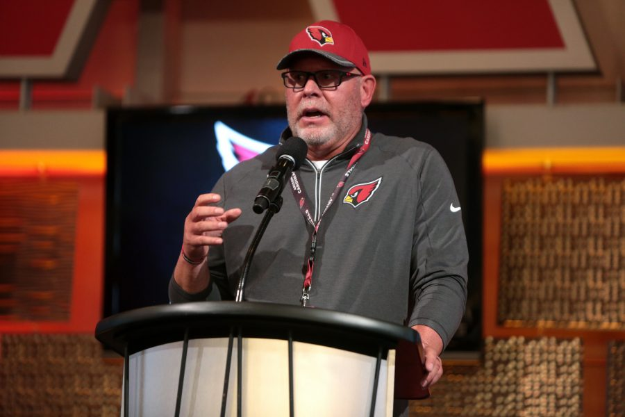 Bruce+Arians+speaking+at+the+2016+Leadership+Series+with+the+Arizona+Cardinals+hosted+by+the+Arizona+Chamber+of+Commerce+%26+Industry+at+University+of+Phoenix+Stadium+in+Glendale%2C+Ariz.