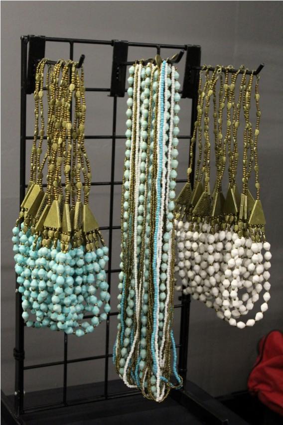 Handmade+jewelry+by+the+women+of+Watato+village