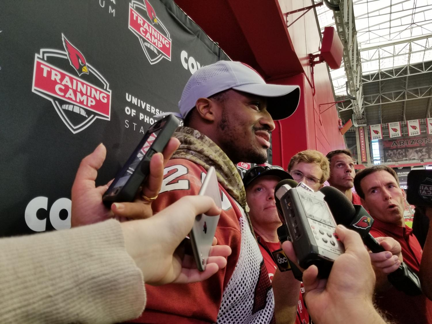 Reporter Cynthia Tapia Captures Deonne Bucannon at University Of Phoenix Stadium