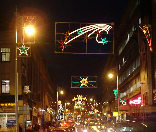 Christmas+light+display+in+Dublin%2C+Ireland+looking+down+Georges+Street