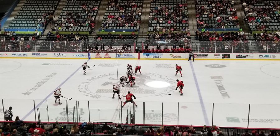 Opening+Face-off+between+the+Tucson+Roadrunners+and+Stockton+Heat+at+Tucson+Arena