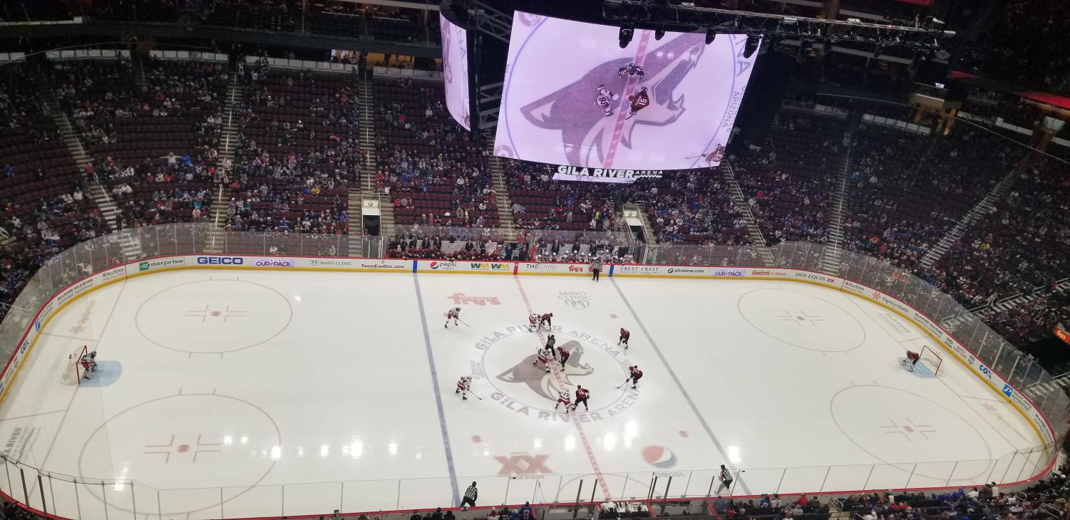 Puck drop between the Rangers and Coyotes at the start of the second period.