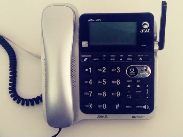 """Consumers need a clear choice with """"deals"""" to drop landlines"""