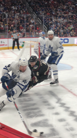 Toronto Maple Leafs, get first win under new head coach: beat Arizona Coyotes, 3-1
