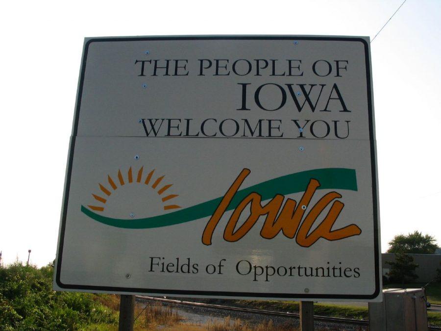 Iowa welcome sign