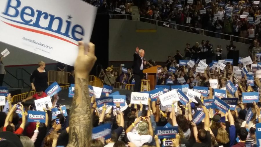 Bernie+Sanders+rally%2C+Phoenix+Arizona%2C+Veterans+Memorial+Coliseum+