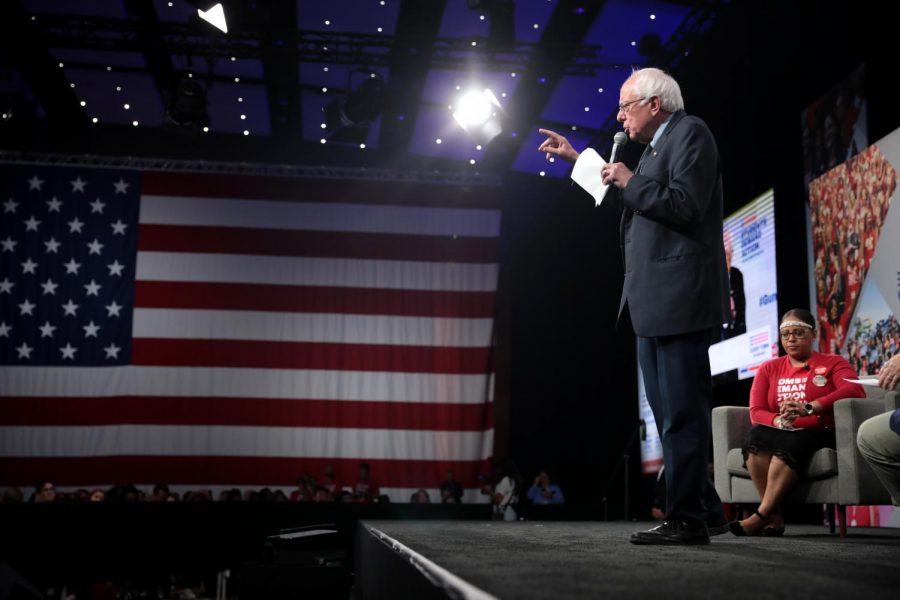 U.S.+Senator+Bernie+Sanders+speaking+with+attendees+at+the+Presidential+Gun+Sense+Forum