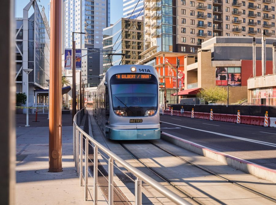 Valley+Metro+Light+Rail+Train+-+Downtown+Phoenix